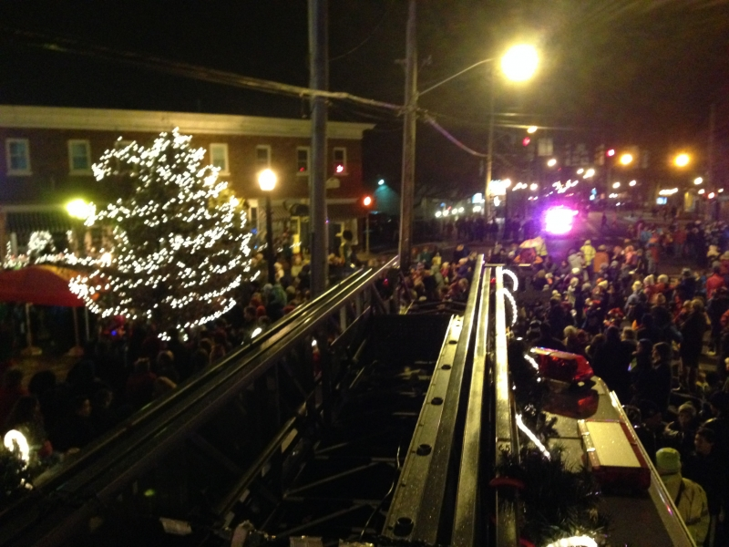 Delmar's 4 Corners Has Its Christmas Tree Lighting & Delmar FD's Ladder Truck 20 Is There!