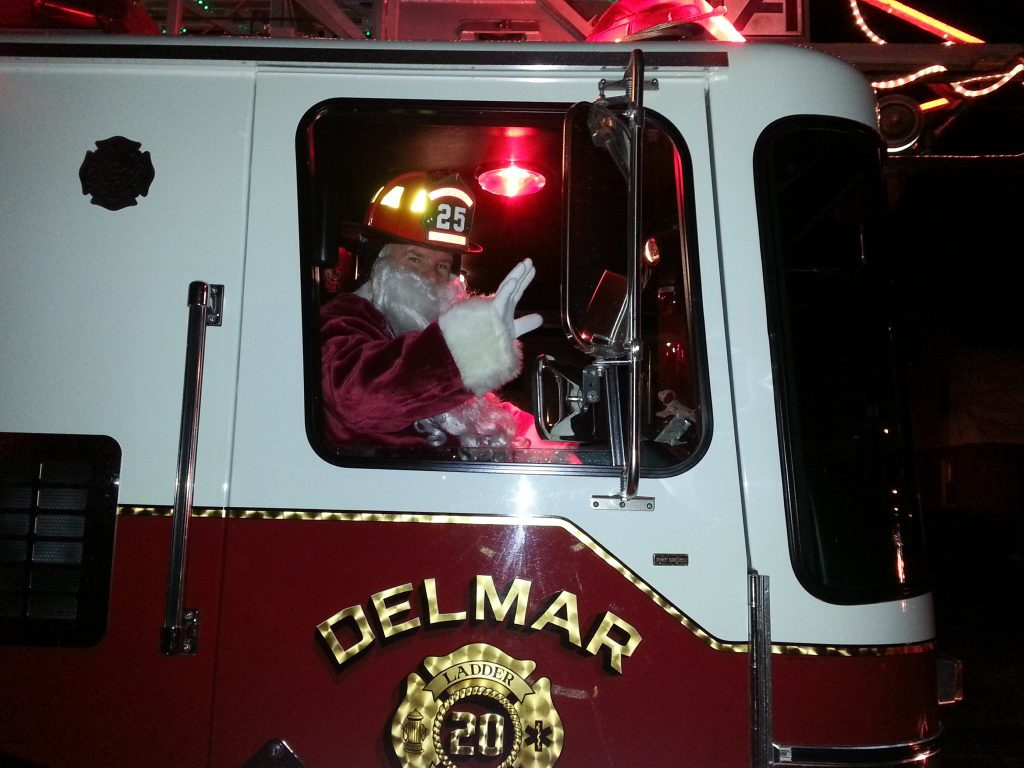 Santa & The Delmar Fire Dept Making Their Way To The 4 Corners Tree Lighting!